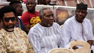 Awọn eekan oṣere Olu Jacobs, Kareem Adepọju ti ọpọ eeyan mọ Baba wande