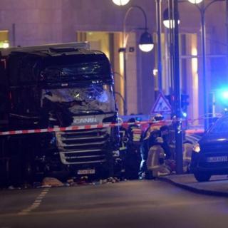 El camión que arrolló a las personas en Kurfürstendamm