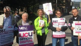 UCU picket line at Strathclyde