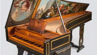 Singlemanual harpsichord by J.J. Antunes,