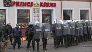 Confrontation between police and locals in Elk, 1 Jan 17