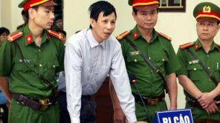 """Ông Nguyễn Văn Túc đã tức giận, """"chửi thề"""" trước tòa tại phiên xử phúc thẩm hôm 14/9"""