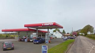 armed thieves rob petrol station in winchburgh bbc news. Black Bedroom Furniture Sets. Home Design Ideas