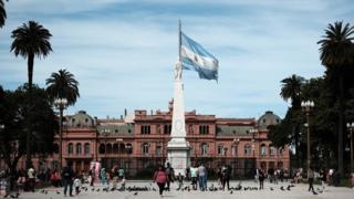Eleições na Argentina: o que pode acontecer com a economia do país e como isso afetaria o Brasil?