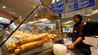 Hot dogs 'must be renamed' in Malaysia, says religious government body