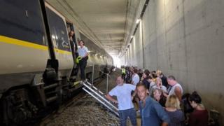 Passengers leave the Eurostar