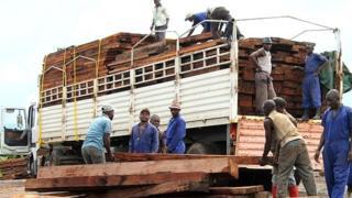 Elle estime que les camionneurs détenus ont perdu plus de six millions de dollars de revenus.