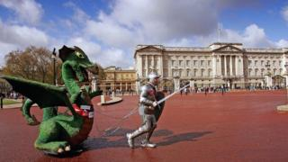 A London Marathon runner dressed in a full suit of armour weighing 100 pounds and dragging a 10 foot dragon weighing 200 pounds in 2006
