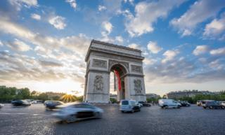 Arc de Triomphe surrounded by traffic