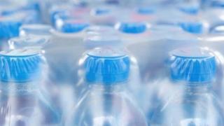 प्लास्टिक बाटल्या