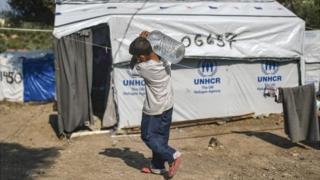 Criança no campo de refugiados de Moria, na Grécia