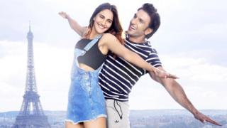 На смену песням и танцам на фоне Эйфелевой башни в другом индийском фильме придут песни и танцы на фоне Статуи Свободы