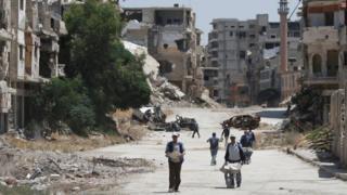 بعض الدمار الذي حل بمدن سوريا بسبب الحرب