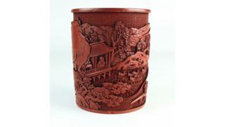The cinnabar lacquer brush pot