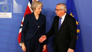 Le Président de la Commission européenne, Jean-Claude Juncker, reçoit Mme Theresa May, Premier ministre du Royaume-Uni à Bruxelles le 7 février.