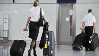 Comissários no aeroporto