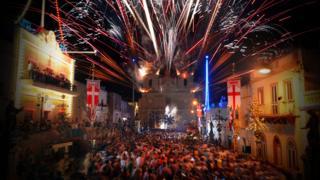 马耳他节庆活动上烟花绽放