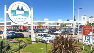 Island Green retail park, Wrexham