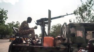 دولت نیجریه میگوید همه شورشیها را سرکوب کرده ولی خونریزیها ادامه پیدا کرده است.