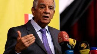 جبار لعیبی، وزیر نفت عراق میگوید روزانه حدود ۳۰ تا ۶۰ هزار بشکه نفت خام از کرکوک با تانکرهای نفتکش به کرمانشاه منتقل خواهد شد