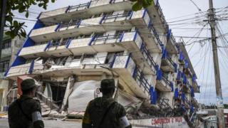 سربازان اطراف این هتل در شهر ماتیاس رومرو ایالت اوآکساکا را محاصره کردهاند