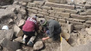 Excavations at a broch on South Ronaldsay