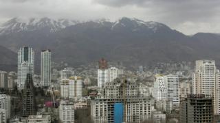در تهران قیمت هر متر مربع واحد مسکونی معامله شده در آذر ماه امسال ۴ میلیون و ۴۳۰ هزار تومان بوده است