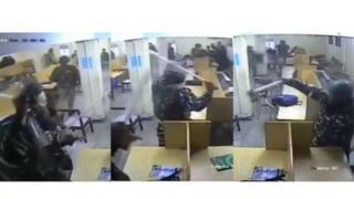 जामियातील विद्यार्थ्यांवर हल्ला