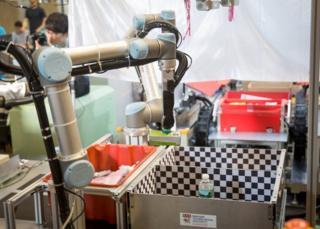Amazon Robotics Challenge 2017 won by Australian budget bot