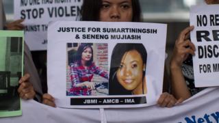 Para buruh migran Indonesia di Hong Kong rutin menggelar aksi menuntut keadilan bagi Sumarti Ningsih dan Seneng Mujiasih.