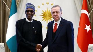 Nijerya Devlet Başkanı Buhari ve Cumhurbaşkanı Erdoğan 19 Ekim'de Ankara'da böyle poz vermişti