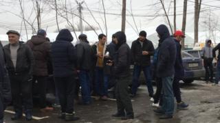 Rossiya politsiyasi migrantlar huquqlarini poymol qilish hollari koʻp uchraydi