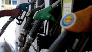ईरान पर अमरीकी प्रतिबंध से तेल बाज़ार में अस्थिरता, बड़ी मंदी की आशंका