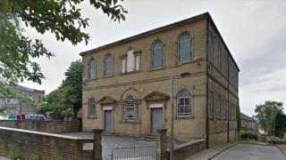 Ummid school in Bakes Street Bradford
