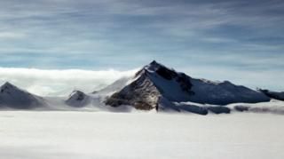 เขาโฮป (Mt Hope) มีความสูง 3,239 เมตร