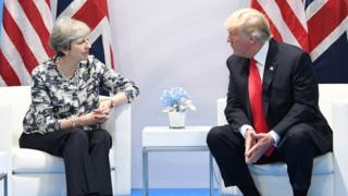 在德国汉堡举行的20国首脑峰会(G20)期间,美国特朗普和英国首相特里莎·梅举行了双边会晤