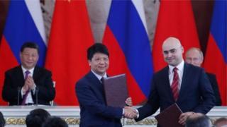 Huawei Başkan Yardımcısı Guo Ping, Rus MTS'nin Başkanı Alexei Kornya