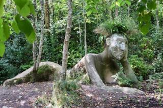 Living sculpture of Eve