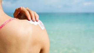 هل حقا مستحضرات الوقاية من أشعة الشمس آمنة؟