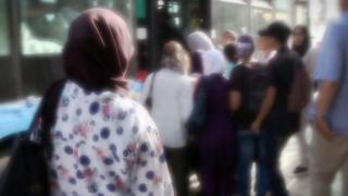 ناشطة تطالب بالاخصاء كعقوبة