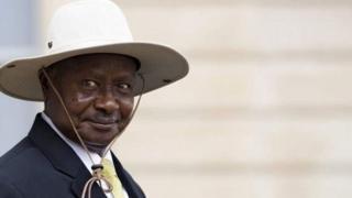 Perezida Museveni aherutse kuvuga ko azofunga abaganga ni baja muri yegereyegere