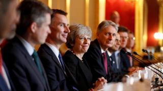 نخستوزیر بریتانیا در میان وزیران کشور، دارایی، خارجه و دفاع