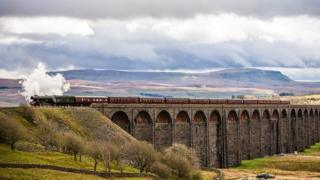 Flying Scotsman travelling over the Ribblehead Viaduct on the Settle-Carlisle line, in March 2017