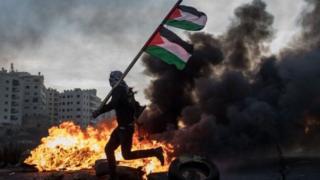 Батыш жээгинде жана Газа тилкесинде үч күндөн бери башаламандык уланып жатат.
