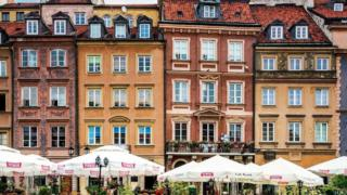 Keanggunan masa lalu Warsawa masih bisa ditemukan oleh mereka yang melihat di balik permukaan.