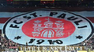 Escudo del FC St Pauli