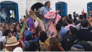 L'arrivée de pèlerins juifs européens et israéliens en Tunisie est, pour les autorités tunisiennes, une preuve de la reprise de l'activité touristique.