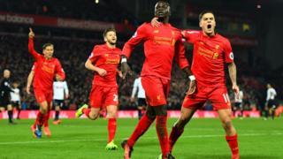 Sadio Mane ghi cả hai bàn cho Liverpool
