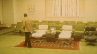 تصویر انقلاب: وضعیت داخل کاخ نیاوران، یک روز پس از رفتن شاه