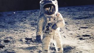 Buzz-Aldrin-stands-on-the-Moon
